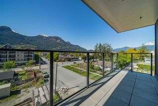 """Photo 2: 423 37881 CLEVELAND Avenue in Squamish: Downtown SQ Condo for sale in """"THE MAIN"""" : MLS®# R2451024"""