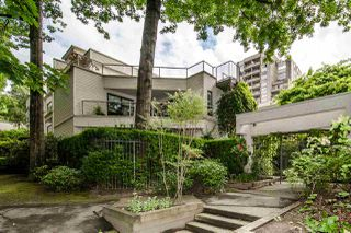 "Main Photo: 402 1350 COMOX Street in Vancouver: West End VW Condo for sale in ""Broughton Terrace"" (Vancouver West)  : MLS®# R2474523"