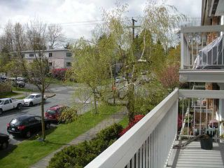 "Photo 6: 311 2080 MAPLE Street in Vancouver: Kitsilano Condo for sale in ""MAPLE MANOR"" (Vancouver West)  : MLS®# V818681"