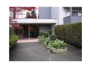 """Photo 8: 110 1424 WALNUT Street in Vancouver: Kitsilano Condo for sale in """"WALNUT PLACE"""" (Vancouver West)  : MLS®# V866925"""
