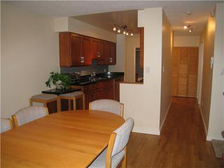 """Photo 2: 110 1424 WALNUT Street in Vancouver: Kitsilano Condo for sale in """"WALNUT PLACE"""" (Vancouver West)  : MLS®# V866925"""