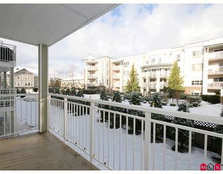 "Photo 10: 205 20189 54TH Avenue in Langley: Langley City Condo for sale in ""CATALINA GARDENS"" : MLS®# F2900010"