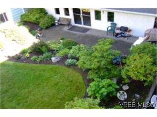 Photo 6: 312 1490 Garnet Rd in VICTORIA: SE Cedar Hill Condo for sale (Saanich East)  : MLS®# 481270