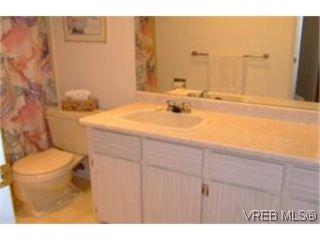 Photo 5: 312 1490 Garnet Rd in VICTORIA: SE Cedar Hill Condo for sale (Saanich East)  : MLS®# 481270