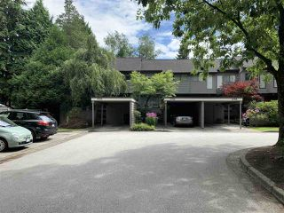 "Photo 3: 4768 CEDARGLEN Place in Burnaby: Greentree Village Townhouse for sale in ""GREENTREE VILLAGE"" (Burnaby South)  : MLS®# R2388988"