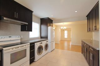 Photo 3: 5939 BATTISON Street in Vancouver: Killarney VE House for sale (Vancouver East)  : MLS®# R2389460