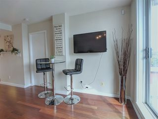 """Photo 5: 417 2255 W 4TH Street in Vancouver: Kitsilano Condo for sale in """"CAPERS BUILDING"""" (Vancouver West)  : MLS®# R2398552"""