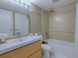 """Photo 12: 417 2255 W 4TH Street in Vancouver: Kitsilano Condo for sale in """"CAPERS BUILDING"""" (Vancouver West)  : MLS®# R2398552"""