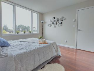 """Photo 9: 417 2255 W 4TH Street in Vancouver: Kitsilano Condo for sale in """"CAPERS BUILDING"""" (Vancouver West)  : MLS®# R2398552"""