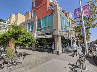"""Photo 19: 417 2255 W 4TH Street in Vancouver: Kitsilano Condo for sale in """"CAPERS BUILDING"""" (Vancouver West)  : MLS®# R2398552"""