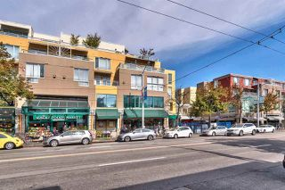 """Photo 20: 417 2255 W 4TH Street in Vancouver: Kitsilano Condo for sale in """"CAPERS BUILDING"""" (Vancouver West)  : MLS®# R2398552"""