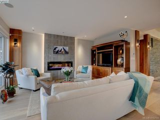 Photo 2: 2120 Nicklaus Drive in VICTORIA: La Bear Mountain Single Family Detached for sale (Langford)  : MLS®# 415789