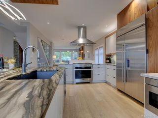 Photo 12: 2120 Nicklaus Drive in VICTORIA: La Bear Mountain Single Family Detached for sale (Langford)  : MLS®# 415789