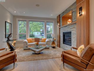 Photo 6: 2120 Nicklaus Drive in VICTORIA: La Bear Mountain Single Family Detached for sale (Langford)  : MLS®# 415789