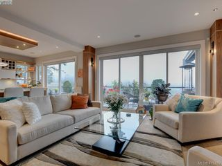 Photo 4: 2120 Nicklaus Drive in VICTORIA: La Bear Mountain Single Family Detached for sale (Langford)  : MLS®# 415789