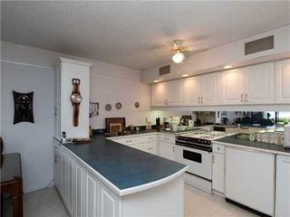 Photo 10: 46 2202 FOLKESTONE Way in West Vancouver: Home for sale : MLS®# V942561