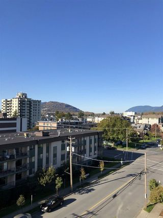 """Photo 15: 604 45765 SPADINA Avenue in Chilliwack: Chilliwack W Young-Well Condo for sale in """"The Spadina Regency"""" : MLS®# R2426939"""