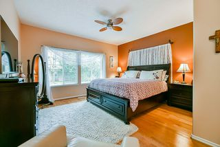 Photo 12: 20 16920 80 Avenue in Surrey: Fleetwood Tynehead Townhouse for sale : MLS®# R2434599