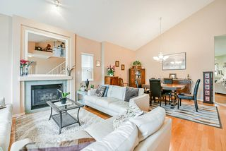 Photo 4: 20 16920 80 Avenue in Surrey: Fleetwood Tynehead Townhouse for sale : MLS®# R2434599