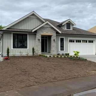 "Photo 1: 3801 LATIMER Street in Abbotsford: Abbotsford East House for sale in ""CREEKSTONE ON THE PARK"" : MLS®# R2437588"