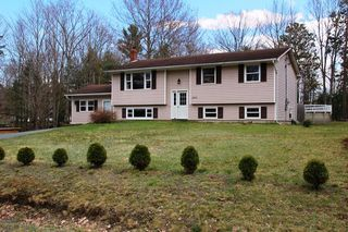 Photo 1: 2420 LORETTA Avenue in Coldbrook: 404-Kings County Residential for sale (Annapolis Valley)  : MLS®# 202008160