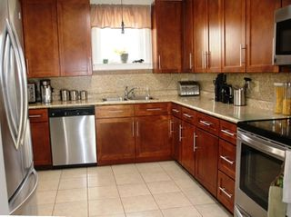 Photo 3: 2420 LORETTA Avenue in Coldbrook: 404-Kings County Residential for sale (Annapolis Valley)  : MLS®# 202008160