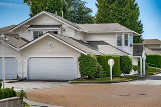 "Photo 2: 129 8737 212 Street in Langley: Walnut Grove Townhouse for sale in ""Chartwell Green"" : MLS®# R2490439"