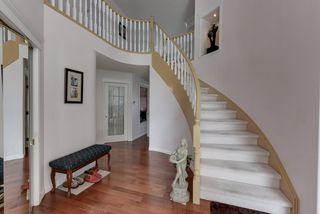 Photo 2: 1052 JAMES Crescent in Edmonton: Zone 29 House for sale : MLS®# E4212761