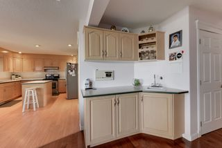 Photo 8: 1052 JAMES Crescent in Edmonton: Zone 29 House for sale : MLS®# E4212761