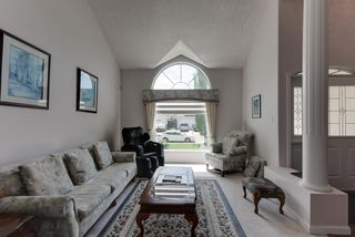 Photo 4: 1052 JAMES Crescent in Edmonton: Zone 29 House for sale : MLS®# E4212761