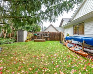 Photo 13: 2118 Fairbairn Ave in : CV Comox (Town of) House for sale (Comox Valley)  : MLS®# 860633