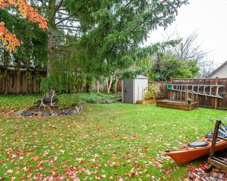 Photo 9: 2118 Fairbairn Ave in : CV Comox (Town of) House for sale (Comox Valley)  : MLS®# 860633