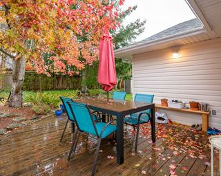 Photo 14: 2118 Fairbairn Ave in : CV Comox (Town of) House for sale (Comox Valley)  : MLS®# 860633