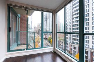 "Photo 5: 804 939 HOMER Street in Vancouver: Yaletown Condo for sale in ""THE PINNACLE"" (Vancouver West)  : MLS®# R2518826"