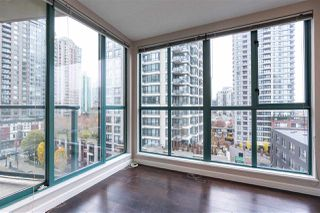 "Photo 4: 804 939 HOMER Street in Vancouver: Yaletown Condo for sale in ""THE PINNACLE"" (Vancouver West)  : MLS®# R2518826"