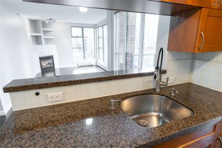 "Photo 10: 804 939 HOMER Street in Vancouver: Yaletown Condo for sale in ""THE PINNACLE"" (Vancouver West)  : MLS®# R2518826"