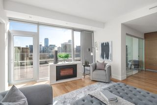 Photo 3: 1401 667 HOWE STREET in Vancouver: Downtown VW Condo for sale (Vancouver West)  : MLS®# R2510203