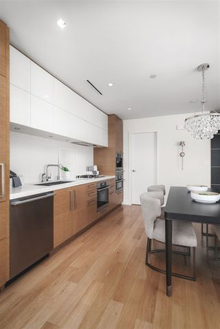 Photo 13: 1401 667 HOWE STREET in Vancouver: Downtown VW Condo for sale (Vancouver West)  : MLS®# R2510203