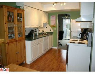 "Photo 5: 113 13880 74 Avenue in Surrey: East Newton Townhouse for sale in ""Wedgewood Estates"" : MLS®# F1003107"