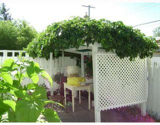 Photo 4: 736 BOYD Avenue in WINNIPEG: North End Residential for sale (North West Winnipeg)  : MLS®# 2814561