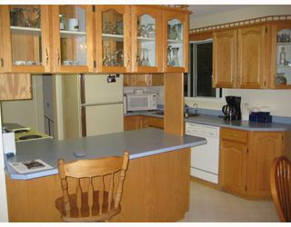 """Photo 2: 2973 NIXON Crescent in Prince_George: Hart Highlands House for sale in """"HART HIGHLANDS"""" (PG City North (Zone 73))  : MLS®# N188883"""