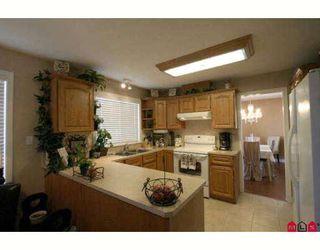Photo 4: 6310 SELKIRK Street in Sardis: Sardis West Vedder Rd House for sale : MLS®# H2902176