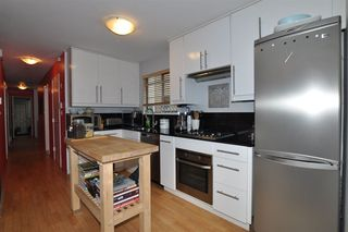 "Photo 6: 1747 E 8TH Avenue in Vancouver: Grandview Woodland House for sale in ""THE DRIVE"" (Vancouver East)  : MLS®# R2397907"
