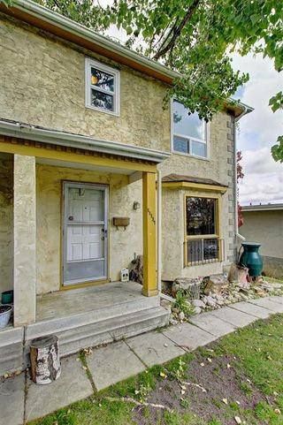 Photo 4: 11137 SACRAMENTO Drive SW in Calgary: Southwood Semi Detached for sale : MLS®# C4270642