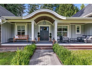 Photo 2: 8959 HADDEN Street in Langley: Fort Langley House for sale : MLS®# R2428265