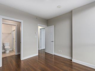 "Photo 10: 1901 2968 GLEN Drive in Coquitlam: North Coquitlam Condo for sale in ""GC2"" : MLS®# R2436433"