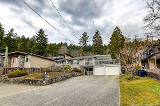 Photo 3: 843 IOCO Road in Port Moody: Barber Street House for sale : MLS®# R2507943