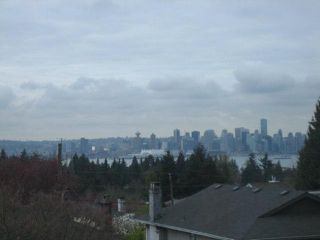 Photo 2: 496 W 29TH Street in North Vancouver: Upper Lonsdale House for sale : MLS®# V817740