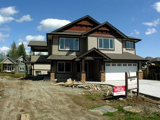 Photo 2: 8699 ASHMORE Place in Mission: Mission BC House for sale : MLS®# F1012872