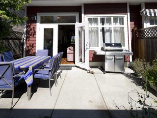 Photo 2: 280 E 16TH Avenue in Vancouver: Main House 1/2 Duplex for sale (Vancouver East)  : MLS®# V849607